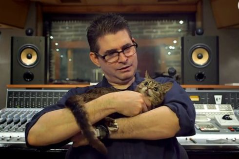 Steve-Albini-Lil-Bub-video